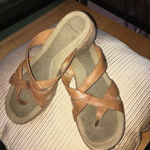 Merrell Leather Thong Sandals Sz8
